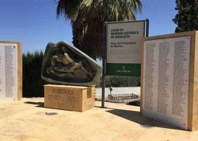 Monumento víctimas Martos (Jaén)