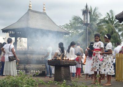 Ofrendas fuera del templo